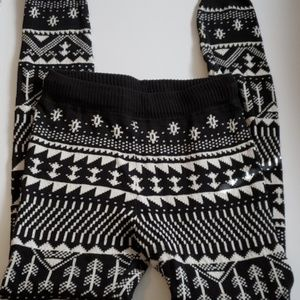 🌻 SO Black/White Sweater Knit Leggings